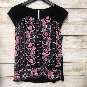 Lauren Conrad Black Floral Top Size Small